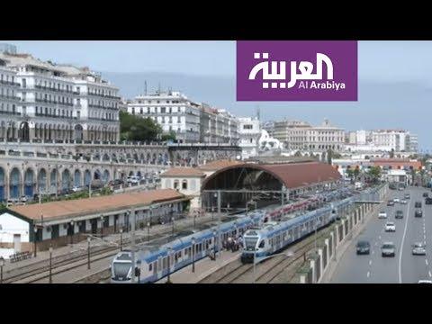 شاهد تباين في الشارع الجزائري بعد قرار إجراء الانتخابات في كانون الأول