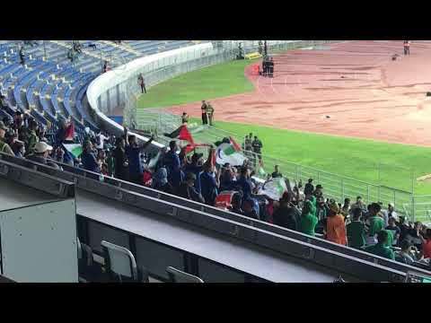 شاهد جمهور نادي هلال القدس يغني رجاوي فلسطيني