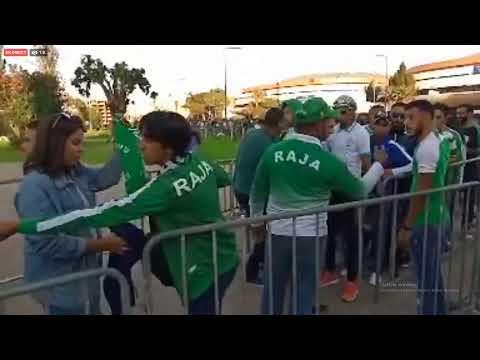 شاهد جماهير غفيرة تحج إلى ملعب محمد الخامس لمتابعة فريق الرجاء