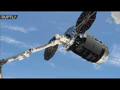 شاهد مركبة الشحن سيغنوس تلتحم بمحطة الفضاء الدولية