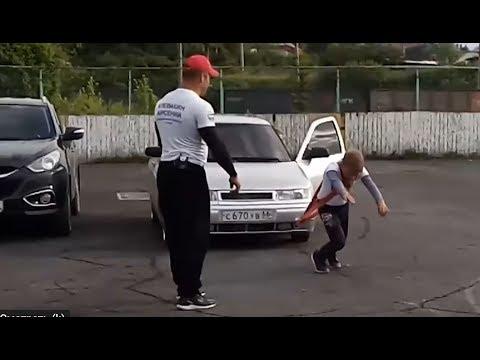 شاهد صبي عمره 11 سنة يجر سيارة