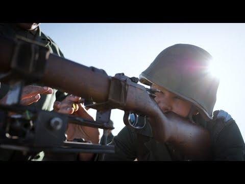 شاهد مغربيات يلتحقن بالجيش الوطني بعد شهور من التدريب