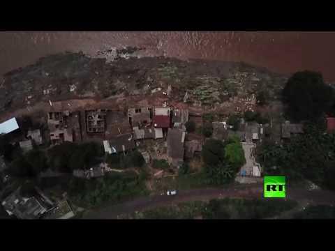 شاهد وفاة 54 وتشرد 30 ألفًا جراء فيضانات البرازيل
