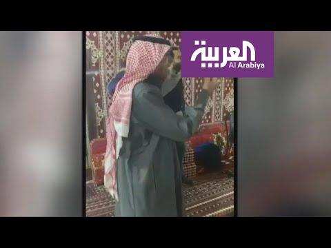 شاهد سعودي من أهالي العلا يستضيف سياحًا بولنديين على عشاء تقليدي