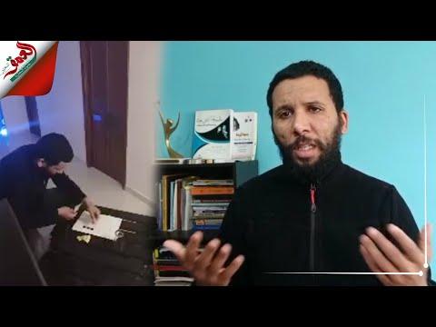 شاهد ممثل مغربي يقدّم مسرحيات في بث مباشر خلال الحجر الصحي