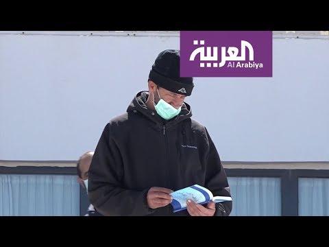 شاهد مبادرة جزائرية لتوزيع الكتب على المتواجدين في الحجر الصحي