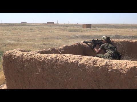 شاهد الجيش السوري يؤمن الطرق الرئيسية بين حماة ودير الزور