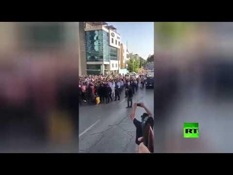شاهد قوات الأمن تعتقل عددًا من المعملين في الأردن