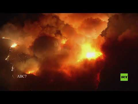 شاهد حريق ضخم في جنوب كاليفورنيا يجبر الآلاف على ترك منازلهم