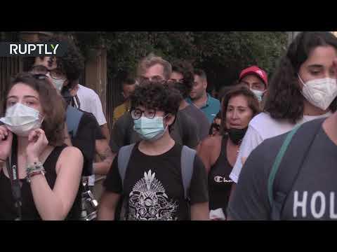 شاهد العشرات يتظاهرون ضد العنف الأسري وسط بيروت
