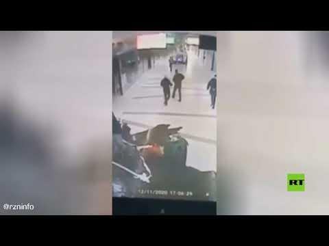 لحظة اندلاع حريق داخل مركز تجاري في مدينة ريازان الروسية
