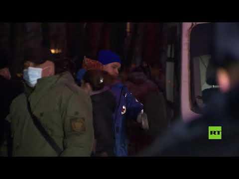 شاهد انتهاء أزمة الرهائن في سان بطرسبورغ بعد استسلام مُحتجز أطفاله الـ6