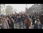 المغرب اليوم  - بالفيديو  مظاهرة في نانت الفرنسية احتجاجًا على زيارة مارين لوبن