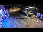 المغرب اليوم  - شاهد العناية الإلهية تنقذ عمالًا من حادث تصادم مروع